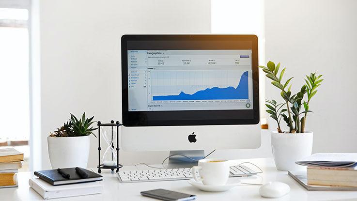 apple monitor displaying chart