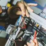 Tips for choosing the best commercial electrician services
