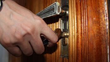 key lock wooden door