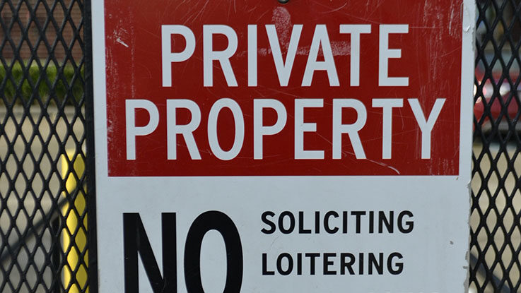 private property sign no trespassing